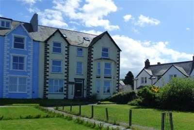 1 Bedroom Flat for rent in Promenade, Llanfairfechan, LL33 0BY