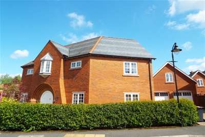 4 Bedrooms House for rent in Redbourne Drive; Wychwood park; CW2