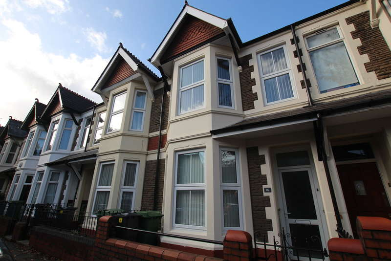 3 Bedrooms Terraced House for rent in Canada Road, Heath, Cardiff