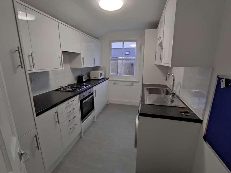 4 Bedrooms Flat for rent in Mount View, N4