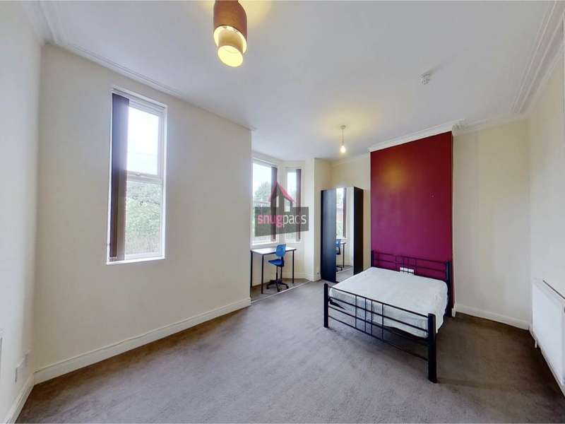 8 Bedrooms House for rent in Barrfield Road, Salford, Manchester