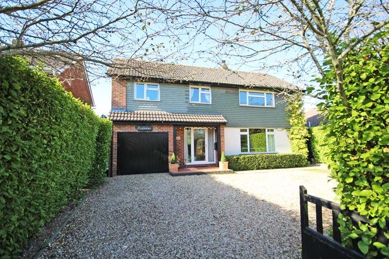 5 Bedrooms Detached House for sale in Barton Drive, Barton On Sea, New Milton, Hampshire, BH25
