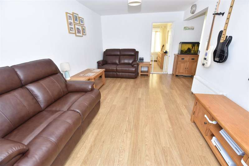 2 Bedrooms Detached Bungalow for sale in Spanbeek Road, Canvey Island