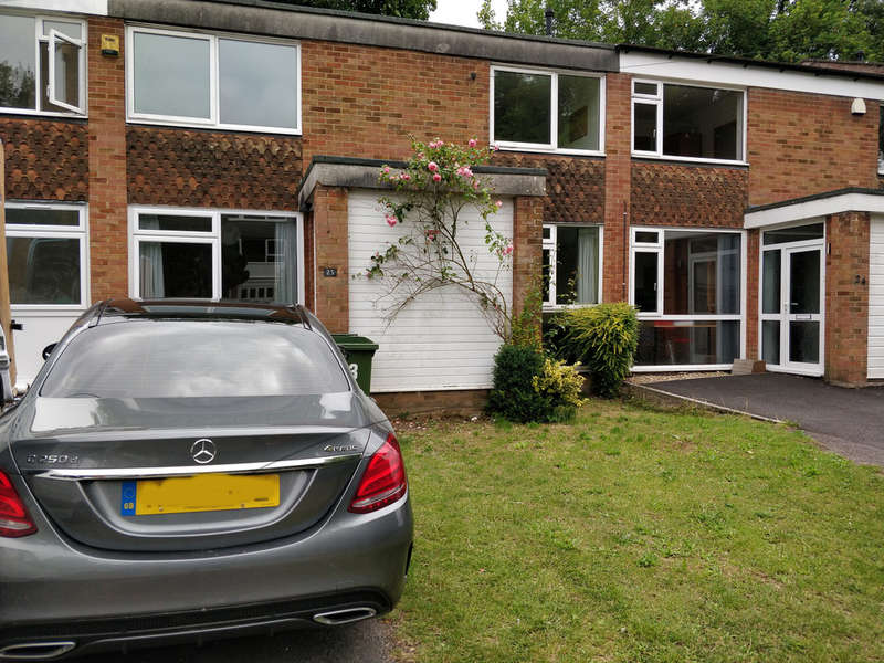 5 Bedrooms Terraced House for rent in Sparkford Close, Winchester