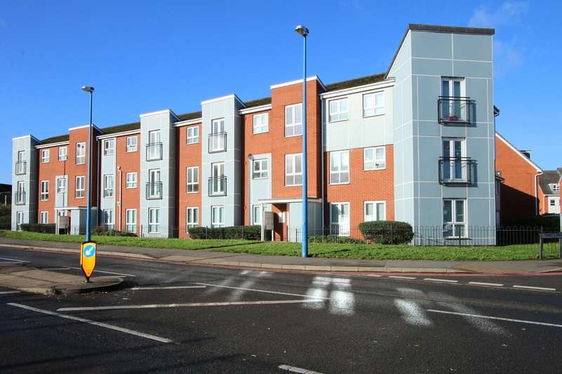 2 Bedrooms Apartment Flat for rent in Foxoak Street, Cradley Heath, Sandwell, B64