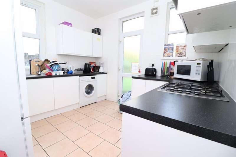 6 Bedrooms Terraced House for rent in Colum Road, Cathays, Cardiff.