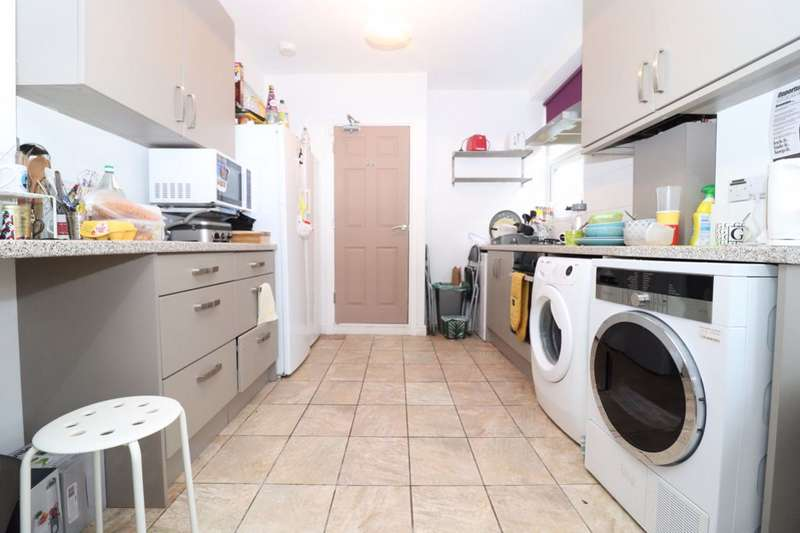 6 Bedrooms Terraced House for rent in Manor Street, Heath, Cardiff