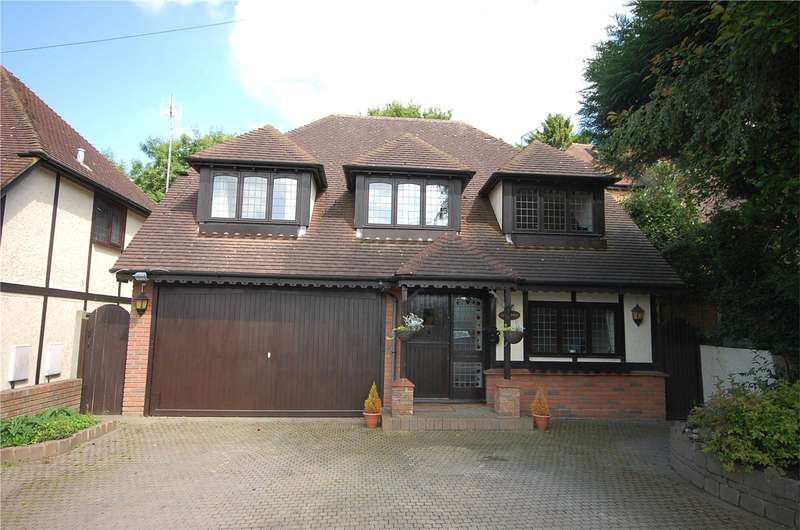 5 Bedrooms Detached House for sale in Stacey Drive, Langdon Hills, Essex, SS16