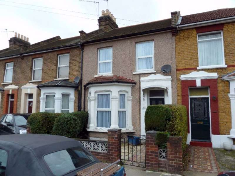 3 Bedrooms House for rent in Westbury Road, Ilford