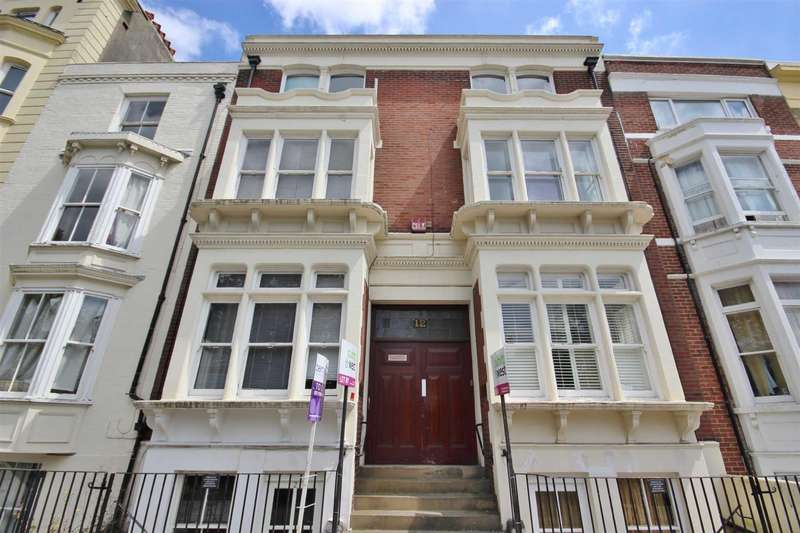 2 Bedrooms Flat for rent in Hampshire Terrace, Southsea, Hampshire