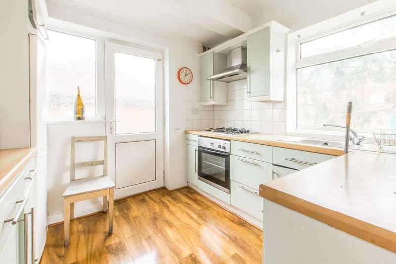 2 Bedrooms Maisonette Flat for rent in Oak Avenue, Muswell Hill, N10