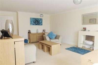 2 Bedrooms Flat for rent in Regents Park Road, Southampton