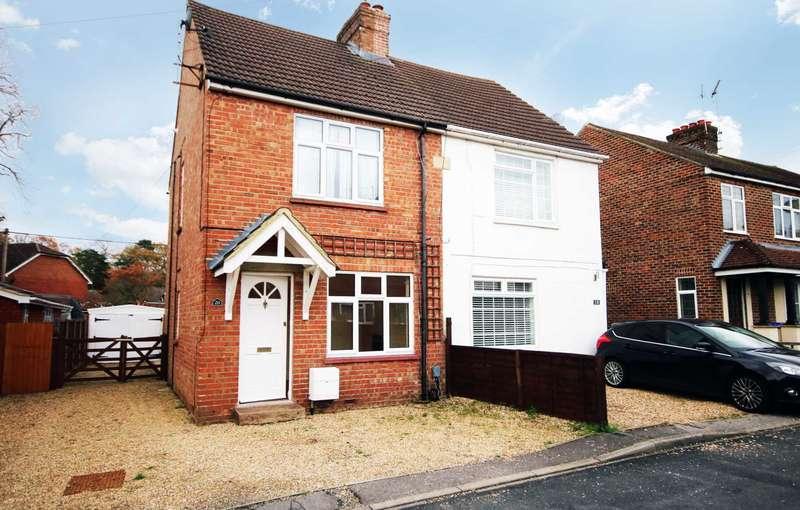 2 Bedrooms Semi Detached House for rent in Grove Road, Fleet
