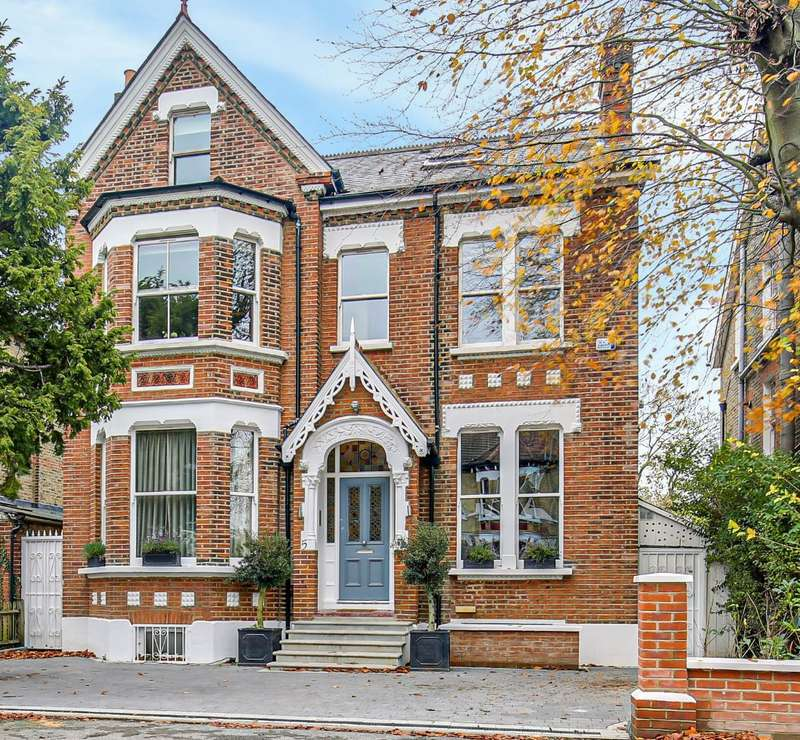 6 Bedrooms Detached House for sale in Elm Road, Beckenham, BR3