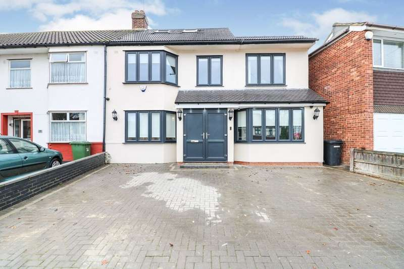 4 Bedrooms Property for sale in Northumberland Avenue, Hornchurch, RM11