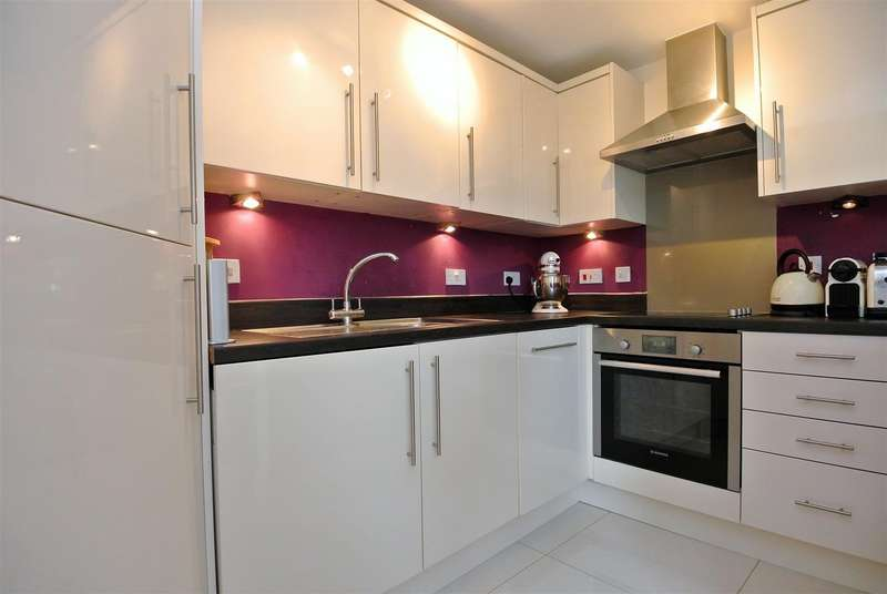 1 Bedroom Apartment Flat for rent in Addlestone