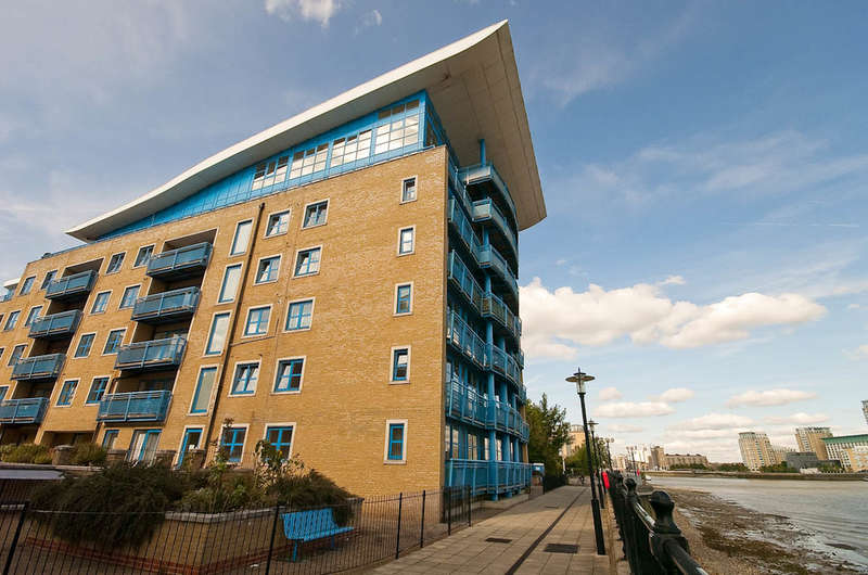 2 Bedrooms Flat for rent in Rotherhithe Street, Rotherhithe