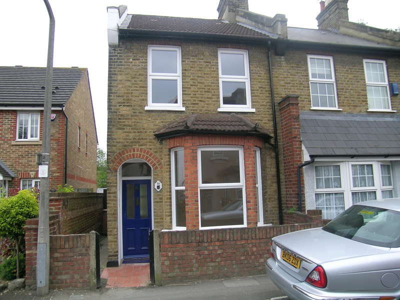 2 Bedrooms End Of Terrace House for rent in Longfellow Road