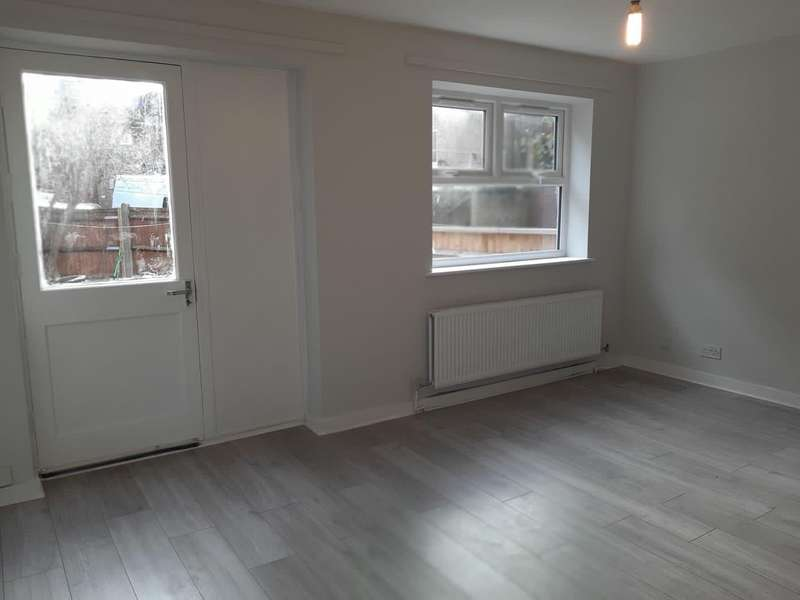 4 Bedrooms House for rent in Howard Road, Stoke Newington, N16