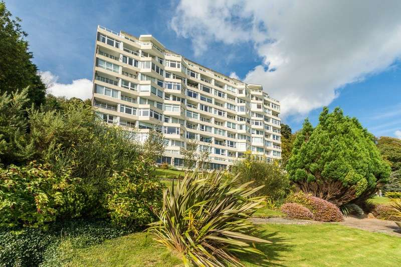 3 Bedrooms Apartment Flat for sale in Glyn Garth Court, Menai Bridge, Ynys Mon, LL59