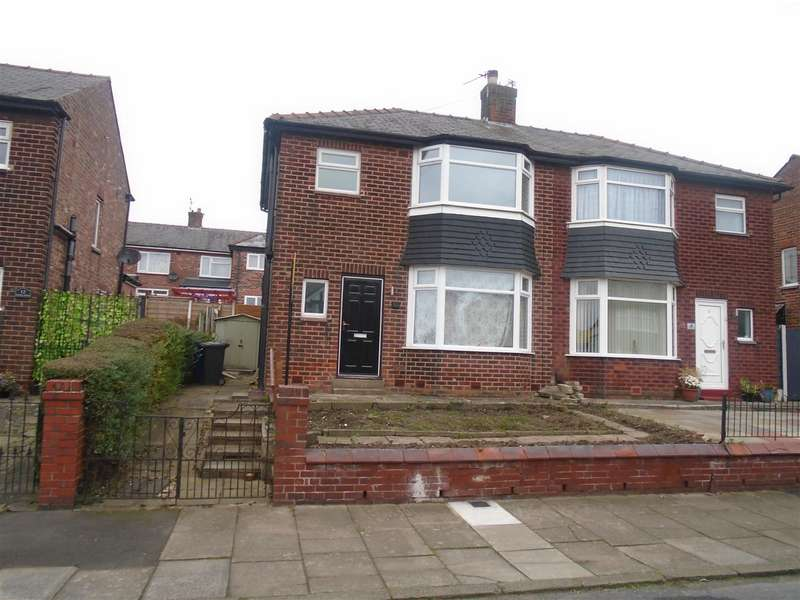 Semi Detached House for rent in Russell Road, Salford