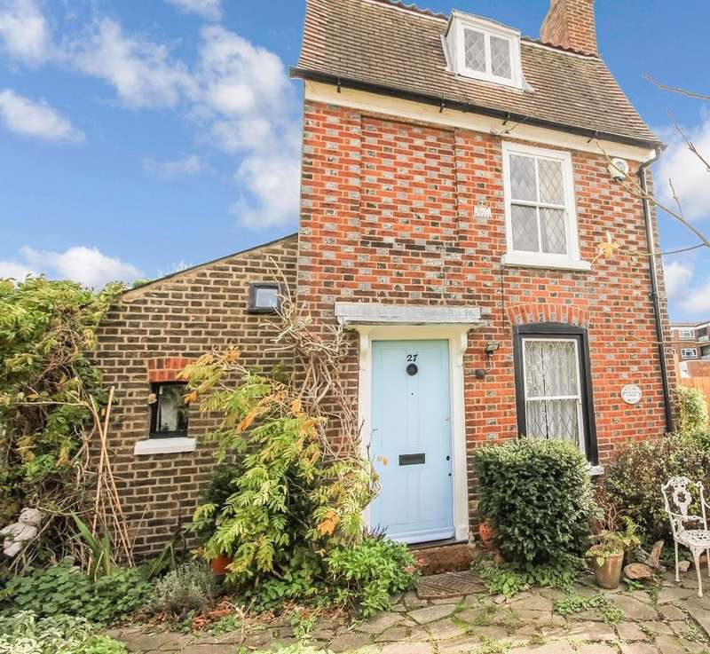 3 Bedrooms Detached House for sale in Nichol Lane, Sundridge Park