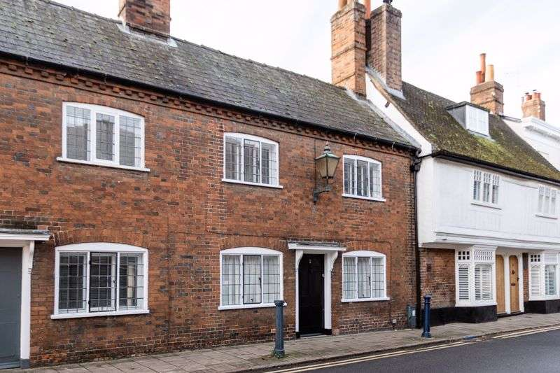 3 Bedrooms Property for sale in Tilehouse Street, Hitchin, SG5