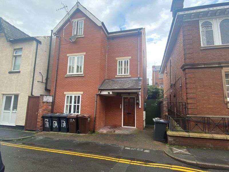1 Bedroom Property for rent in Stanley Street, Southport