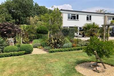 4 Bedrooms House for rent in Harewood Green, Keyhaven