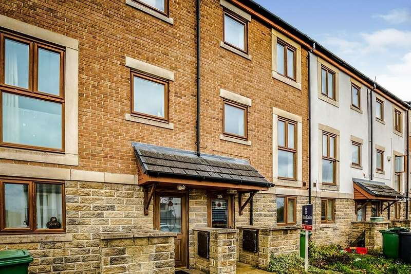 4 Bedrooms Terraced House for rent in Greenlea Court, Dalton, Huddersfield, HD5