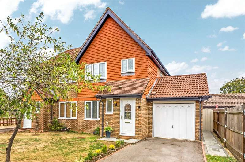 3 Bedrooms Semi Detached House for rent in Searing Way, Tadley, Hampshire, RG26