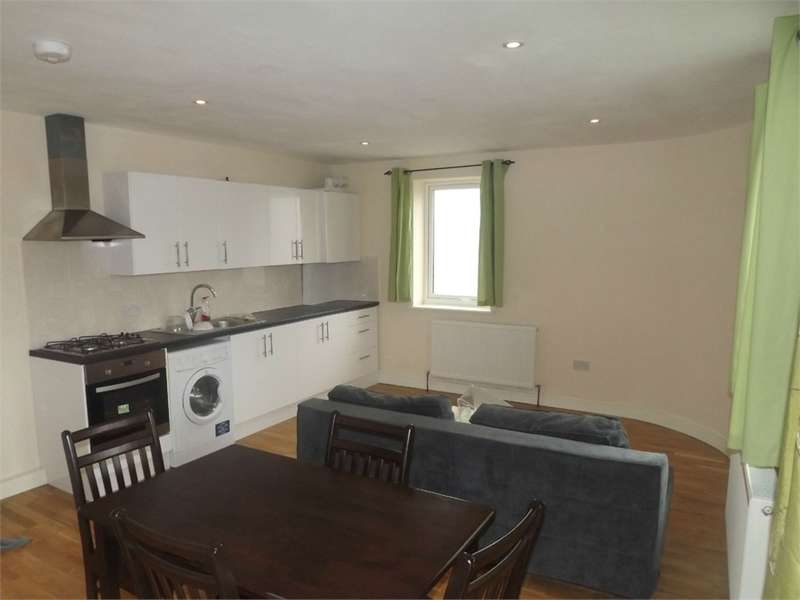 2 Bedrooms Flat for rent in Nelson Grove Road, London