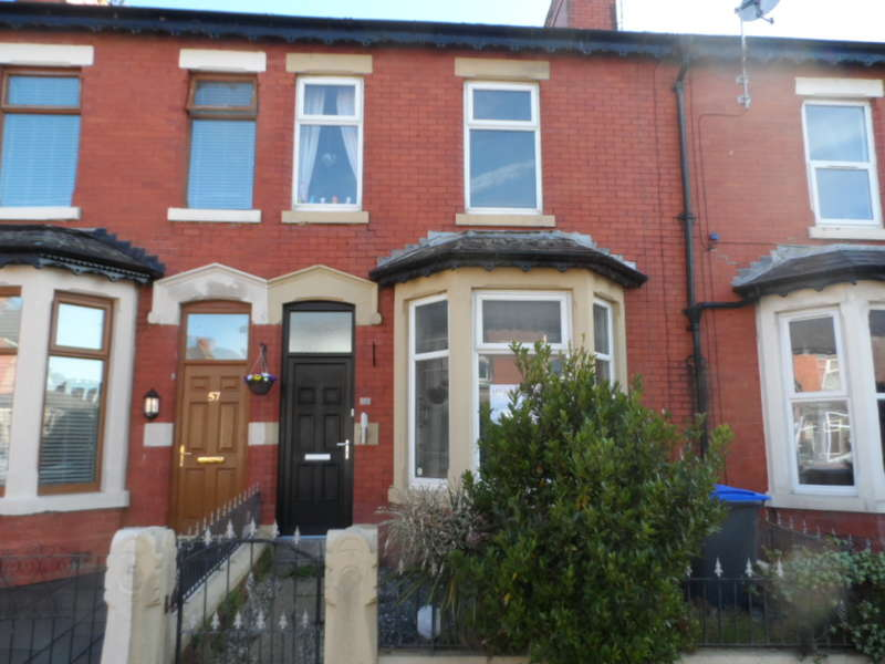 4 Bedrooms Terraced House for rent in Oxford Road, Blackpool, FY1 3QL