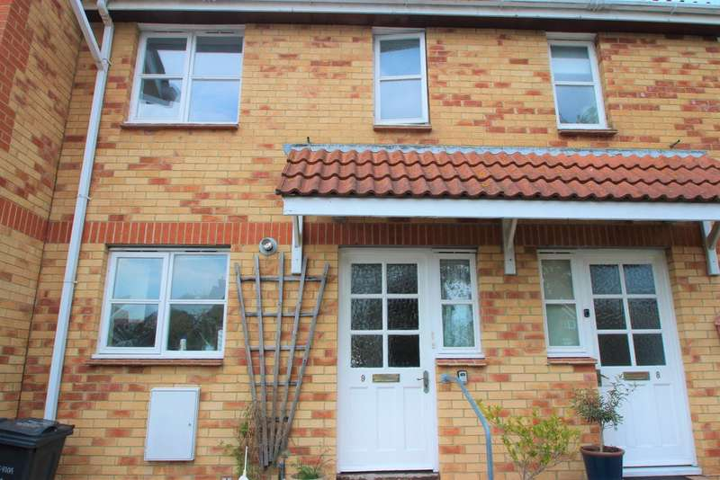 3 Bedrooms Terraced House for rent in Coopers Close, Freshwater