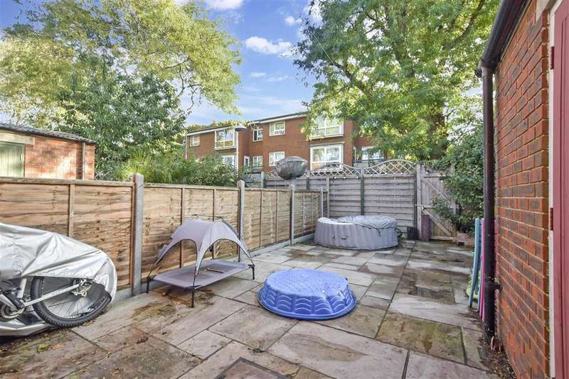 2 Bedrooms End Of Terrace House for sale in Clarendon Street, , Portsmouth, Hampshire