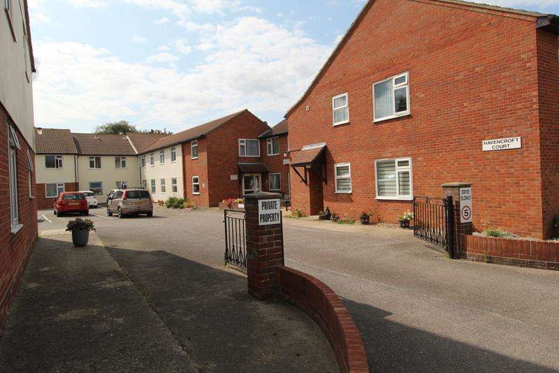 1 Bedroom Flat for sale in Havencroft Court, Walton-On-The-Naze, CO14 8PS