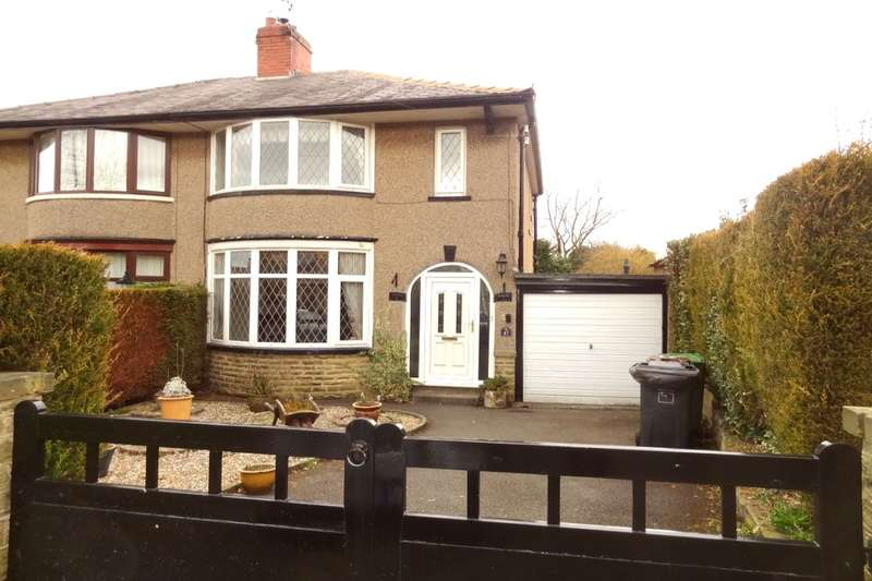 3 Bedrooms Semi Detached House for rent in Castle Road, Colne, BB8