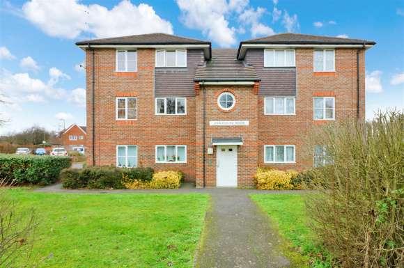 1 Bedroom Property for sale in John Eccles House, Ludwick Way, Welwyn Garden City