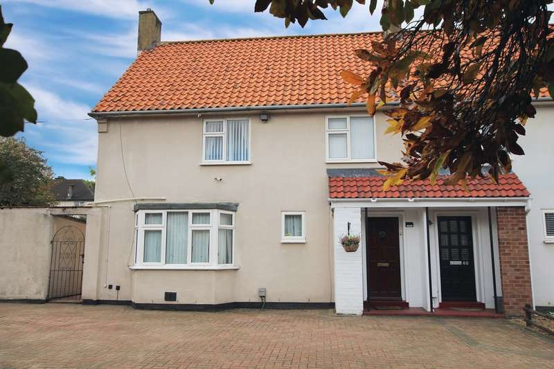 3 Bedrooms Semi Detached House for sale in The Close, Weston Way, Baldock, SG7