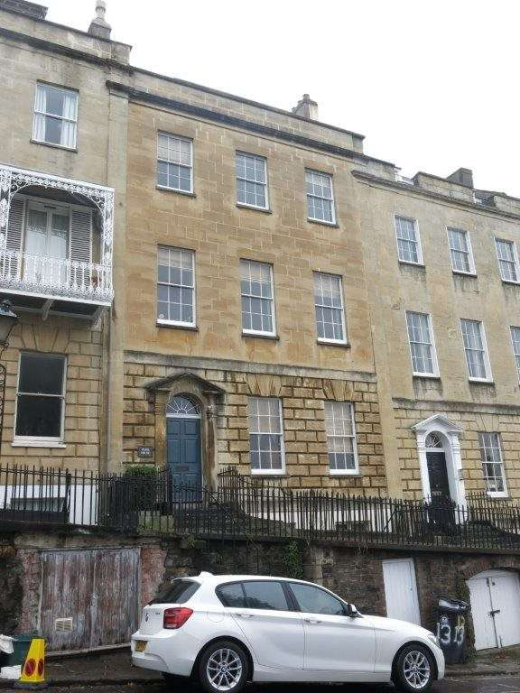 3 Bedrooms Flat for rent in Charlotte Street, ,