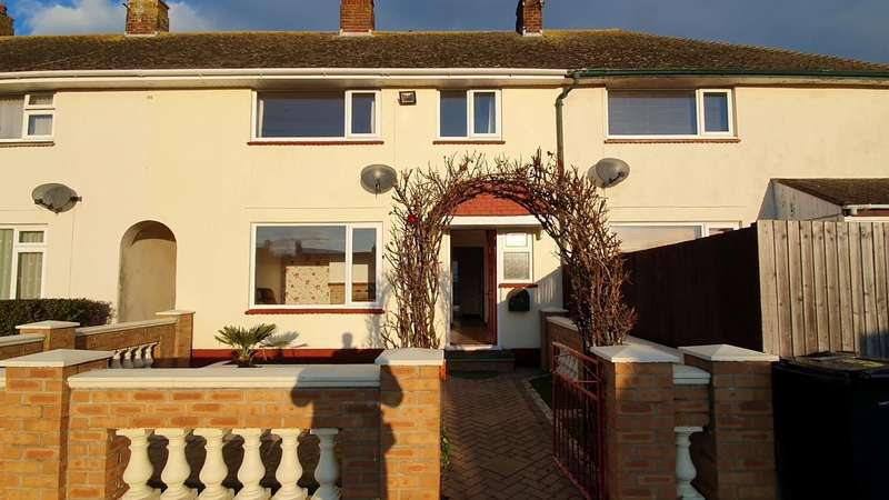 3 Bedrooms Semi Detached House for rent in Pet Friendly Property, Toller down Road, Weymouth