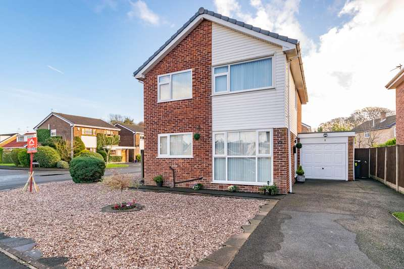 4 Bedrooms Detached House for sale in Ringwood Close, Lytham , FY8