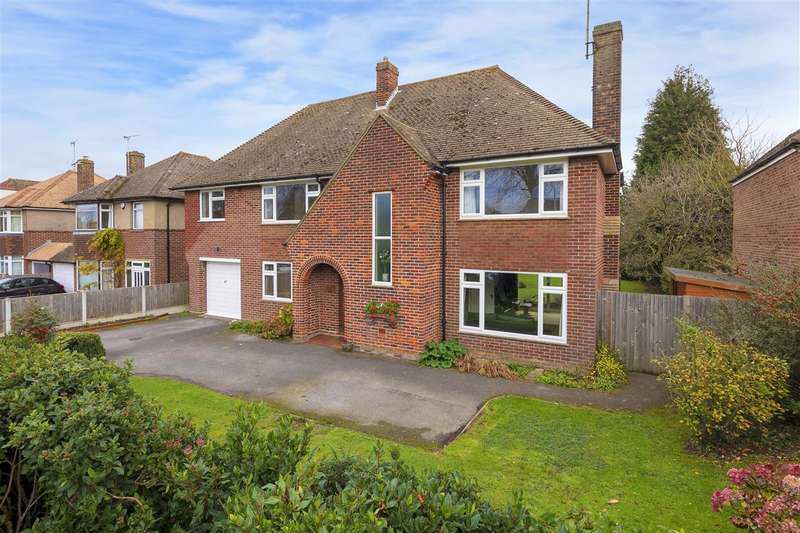 4 Bedrooms Detached House for sale in New Dover Road, Canterbury