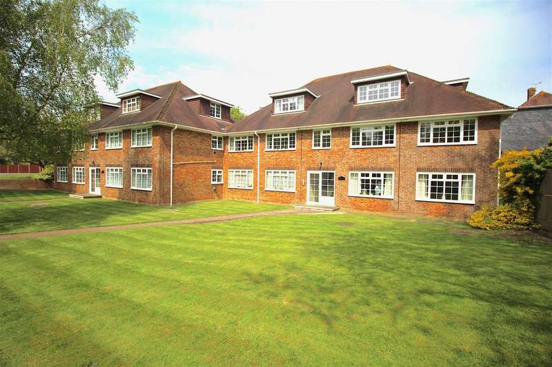 3 Bedrooms Apartment Flat for sale in Glengorse, Battle