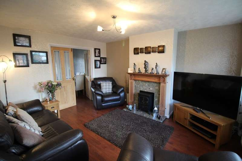 3 Bedrooms Semi Detached House for sale in Sherbourne Drive, Heywood, OL10