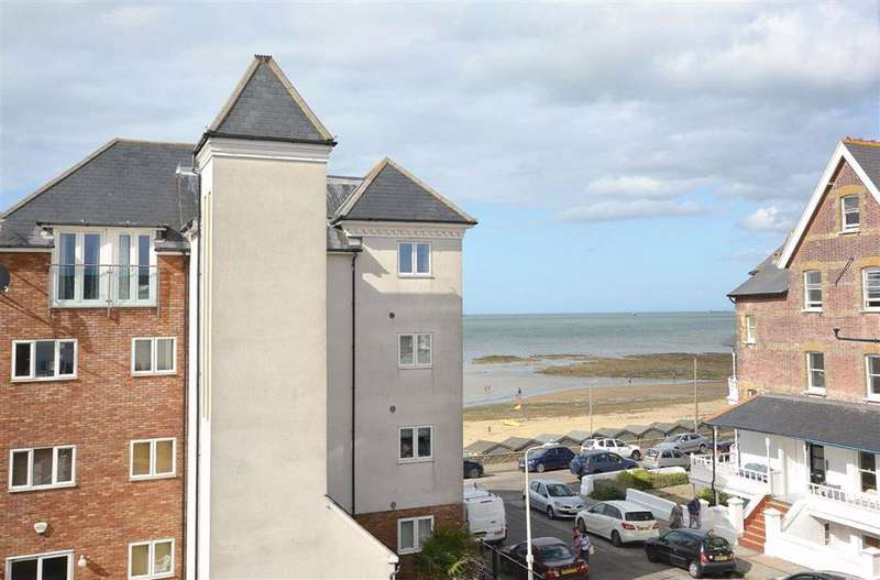 2 Bedrooms Flat for sale in Sussex Gardens, Westgate-On-Sea, Kent