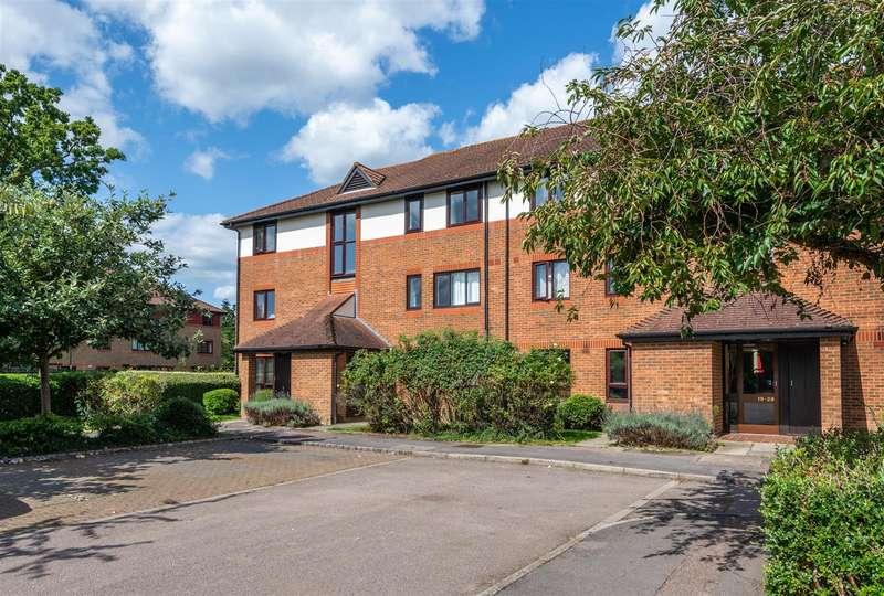 Flat for rent in Copse Lane, Horley