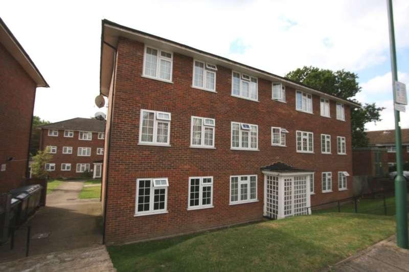 2 Bedrooms Flat for rent in Lantern Close, Wembley, HA0