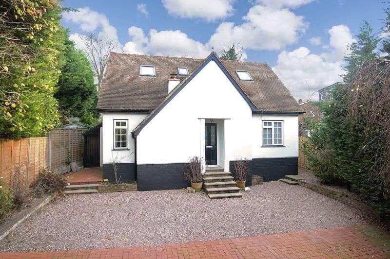 3 Bedrooms Property for sale in Page Heath Villas, Bickley, Bromley