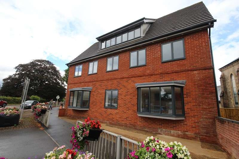 1 Bedroom Apartment Flat for rent in Farnham House, Christchurch Road, Ringwood, Hampshire, BH24